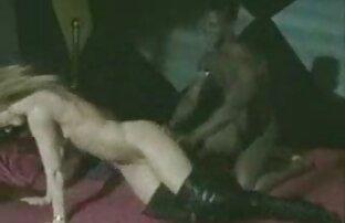 TB-Dani na cadeira de site de sexo online gratis tortura